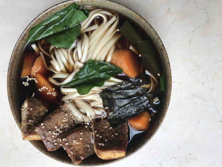 מרק יפני עדין. צילום: זהר לוסטיגר בשן