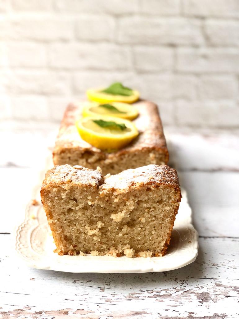 עוגת לימון קוקוס. צילום: זהר לוסטיגר בשן