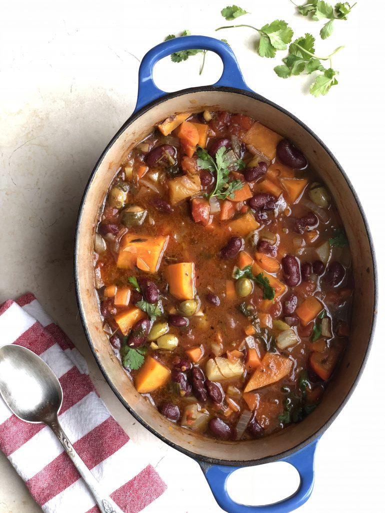 תבשיל לוהט של שעועית אדומה ובטטה מפורטו ריקו. צילום: זהר לוסטיגר בשן