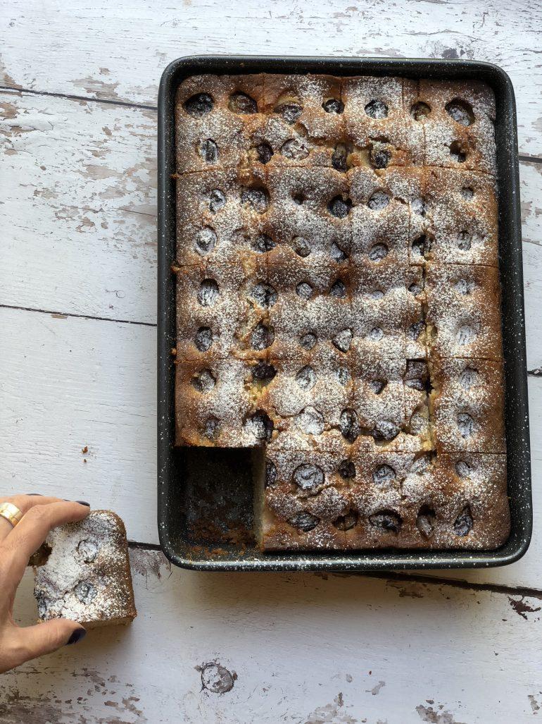 עוגת ענבים בחושה. צילום: זהר לוסטיגר בשן