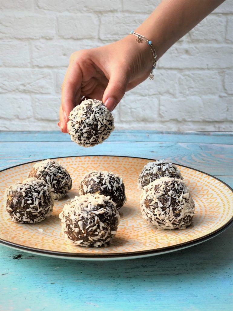כדורי שוקולד בריאים. צילום: זהר לוסטיגר בשן