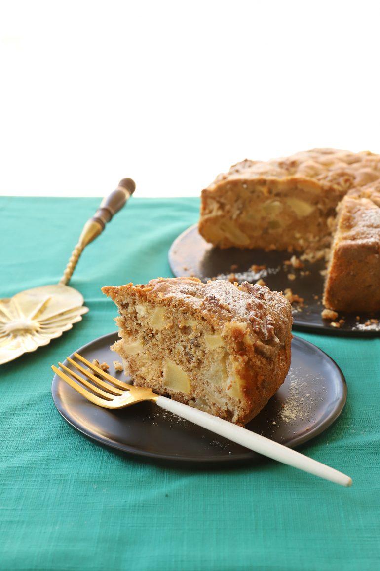 עוגת תפוחים של בית. צילום: אפרת ליכטנשטט