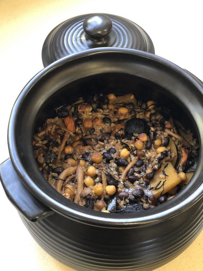 תבשיל קדירה צמחוני. צילום: זהר לוסטיגר בשן