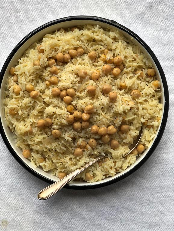 אורז עם חומוסים. צילום: זהר לוסטיגר בשן