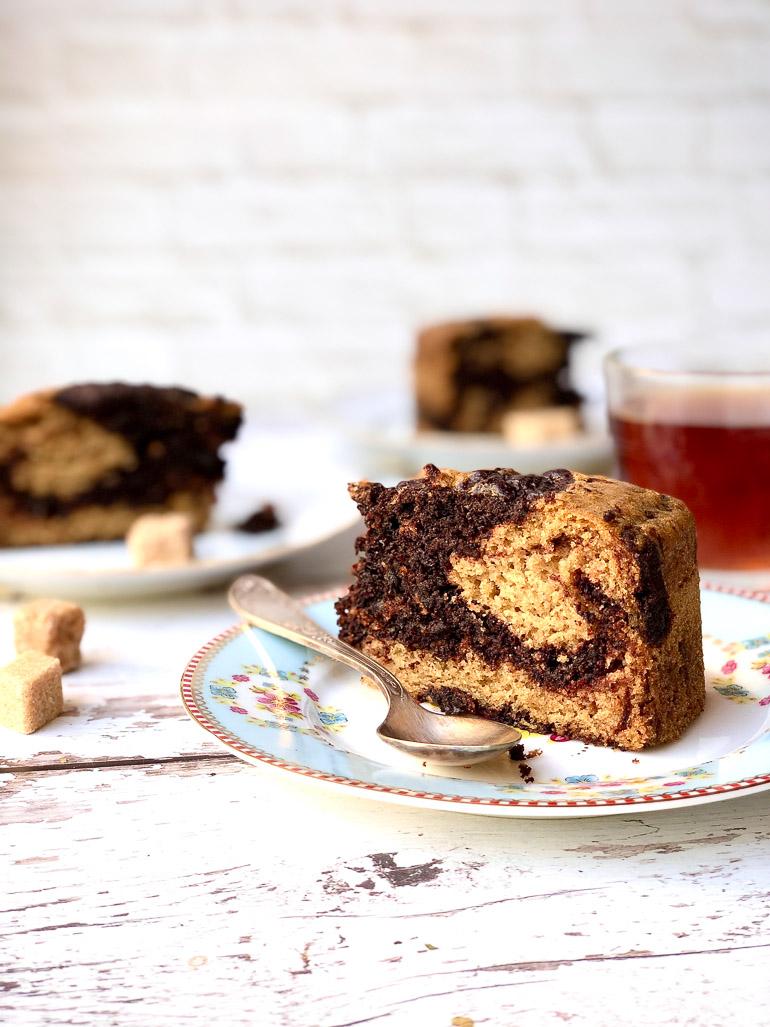 עוגת שיש טבעונית רכה ונפלאה. צילום: זהר לוסטיגר בשן